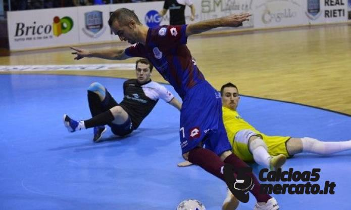 http://www.calcioa5mercato.it/images/articoli/img1440_0.jpg